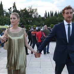 Beatrice Borromeo y Pierre Casiraghi en un desfile de Dior en Atenas