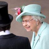 La Reina Isabel, muy sonriente en las carreras de Ascot