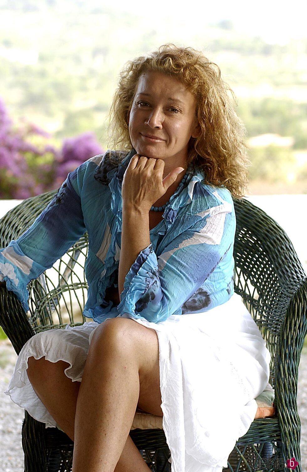 Mila Ximénez en un posado en Ibiza