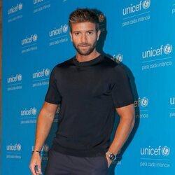Pablo Alborán posa en su nombramiento como embajador de Unicef España