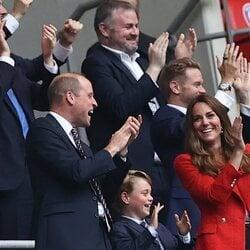 El Príncipe Jorge con los Duques de Cambridge, emocionado en el partido de la Eurocopa 2020 entre Inglaterra y Alemania
