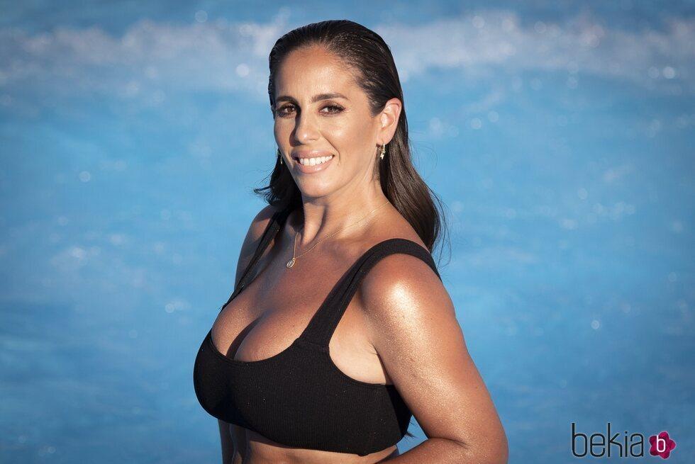 Anabel Pantoja posa sonriente en bikini en Madrid