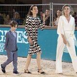 Carolina de Mónaco, Carlota Casiraghi y Raphaël Elmaleh en el Concurso de Saltos de Monte-Carlo 2021