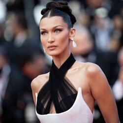 Bella Hadid en la alfombra roja del Festival de Cannes 2021