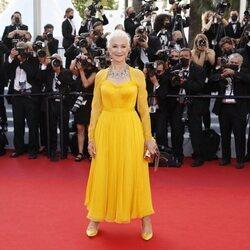 Helen Mirren en la alfombra roja del Festival de Cannes 2021