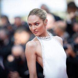 Candice Swanepoel en la segunda jornada del Festival de Cannes 2021