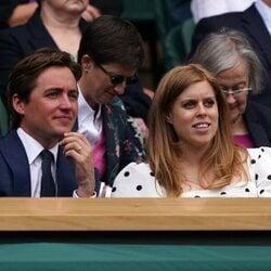 Edoardo Mapelli Mozzi y Beatriz de York en Wimbledon 2021