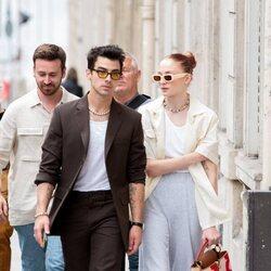 Sophie Turner y Joe Jonas paseando por París
