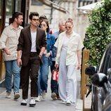 Joe Jonas y Sophie Turner pasean por París