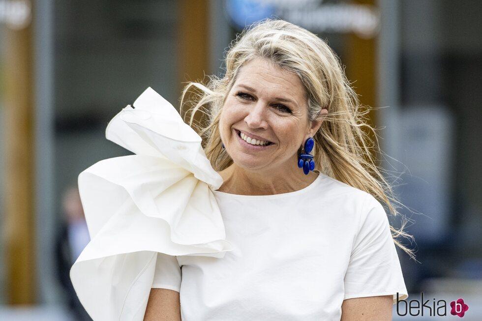 La Reina Máxima de Holanda visita una empresa de transporte