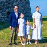 Victoria de Suecia con su marido y sus dos hijos celebrando su 44 cumpleaños