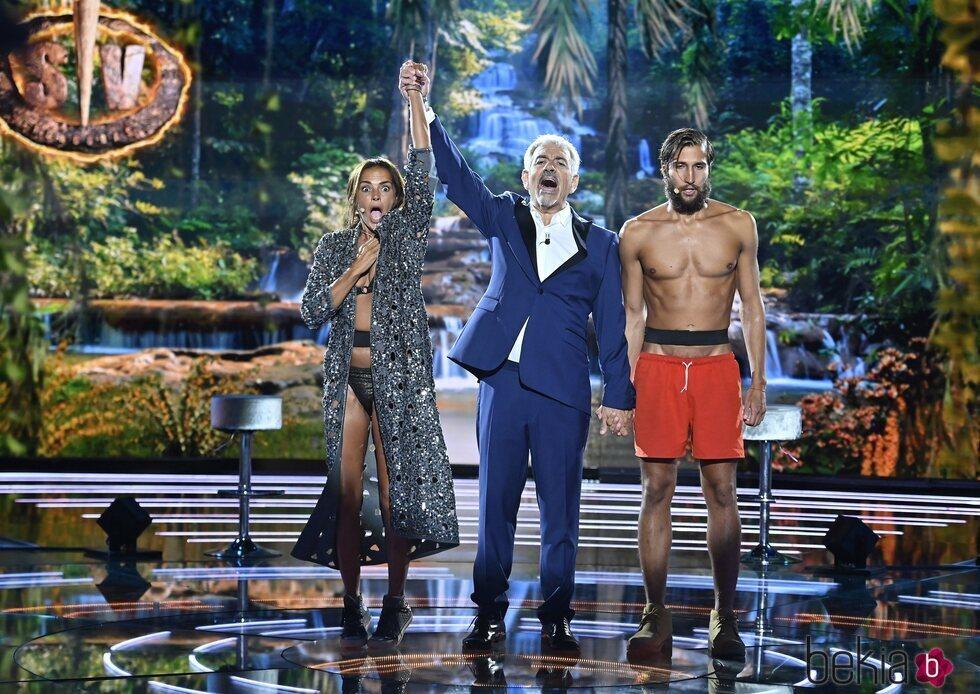 Carlos Sobera proclama ganadora a Olga Moreno en 'Supervivientes 2021'