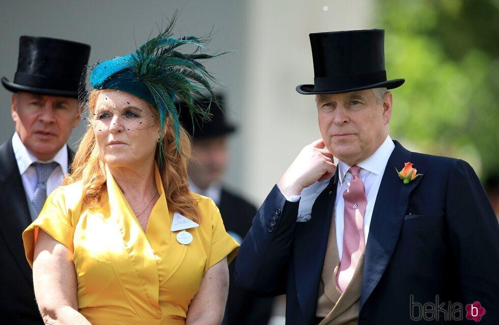 El Príncipe Andrés y Sarah Ferguson en la celebración de Ascot 2019