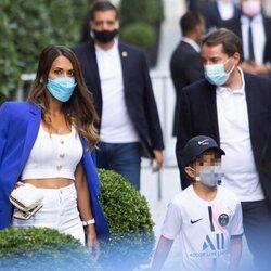 Antonella Roccuzzo acude a la presentación de Leo Messi en el PSG