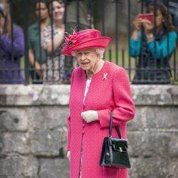La Reina Isabel en su recibimiento oficial en Balmoral