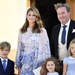 Magdalena de Suecia y Chris O'Neill con sus hijos en el bautizo de Julian de Suecia