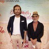 Raúl Prieto y Joaquín Torres en el estreno de la obra de teatro 'El humor de mi vida'