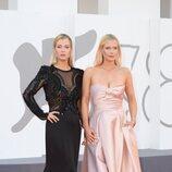 Lady Amelia y Lady Eliza Spencer en la premiere de 'Madres paralelas' en el Festival de Venecia 2021
