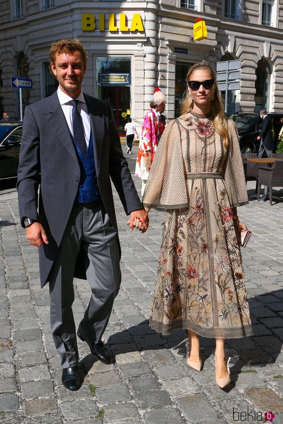 Pierre Casiraghi y Beatrice Borromeo a su llegada a la boda de María Anunciata de Liechtenstein y Emanuele Musini