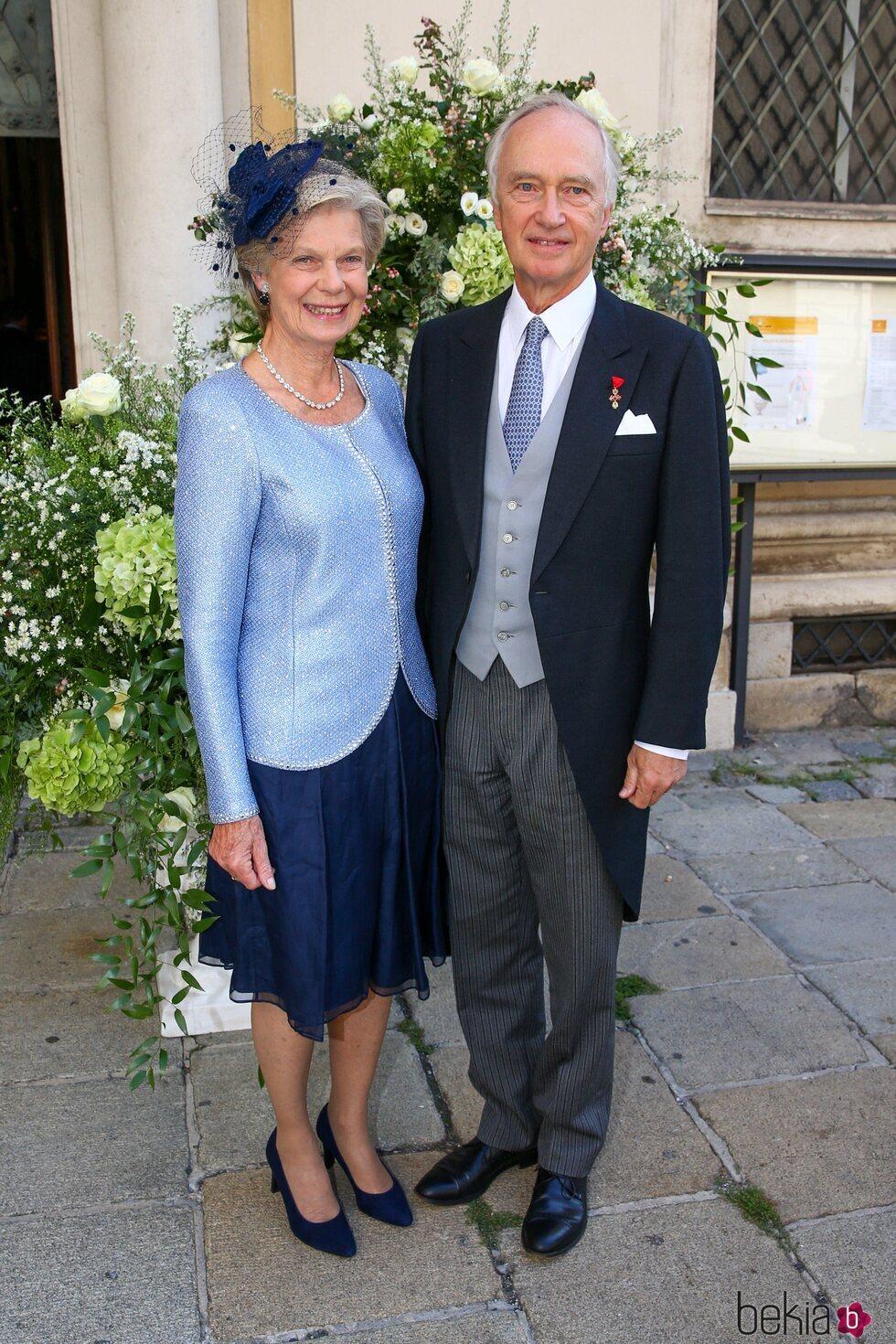 Christian de Habsburgo y Marie-Astrid de Luxemburgo en la boda de María Anunciata de Liechtenstein y Emanuele Musini