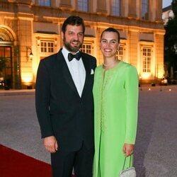 Casimir zu Sayn-Wittgenstein y Alana Bunte en la boda de María Anunciata de Liechtenstein y Emanuele Musini