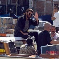 Can Yaman, disfrutando de los canales de Venecia