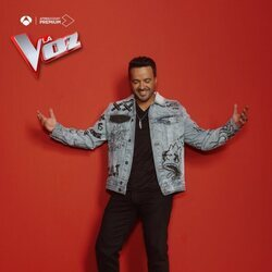 Luis Fonsi en la foto promocional de 'La Voz'