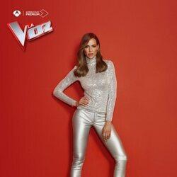 Posado de Eva González como presentadora de 'La Voz'