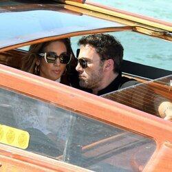 Jennifer Lopez y Ben Affleck llegan juntos a Venecia