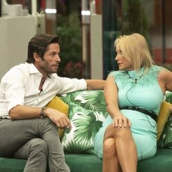 Canales Rivera y Lucía Pariente durante la primera gala de 'Secret Story'