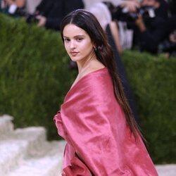 Rosalía a su llegada a la MET Gala 2021