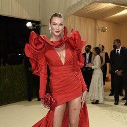 Karlie Kloss en la Met Gala 2021