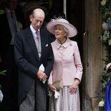 El Duque de Kent y Alexandra de Kent en la boda de Flora Ogilvy y Timothy Vesterberg