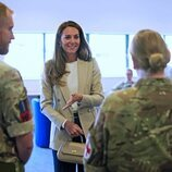 Kate Middleton en su visita a la Base de Brize Norton