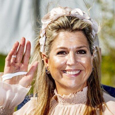 Máxima de Holanda con una lesión en la mano