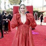 Sarah Paulson en la alfombra roja de los Emmy 2021