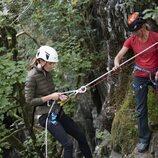 Kate Middleton realizando un descenso de barrancos en su visita al RAF Air Cadets' Windermere Adventure Training Centre de Cumbria