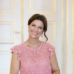 Marta Luisa de Noruega en un retrato con motivo de su 50 cumpleaños