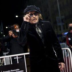 Johnny Depp llegando a la entrega del Premio Donostia 2021 en el Festival de Cine de San Sebastián 2021