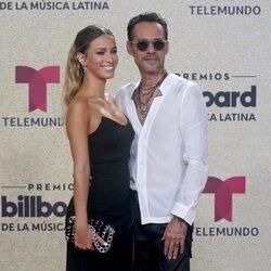 Marc Anthony y su novia en los Premios Billboard Latin Music 2021