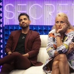 Miguel Frigenti y Lucía Pariente durante la gala 3 de 'Secret Story'