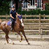 Amalia de Holanda con su caballo Mojito