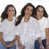 Rania de Jordania con sus hijas Iman y Salma de Jordania