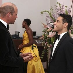 El Príncipe Guillermo y Rami Malek en el estreno de 'Sin tiempo para morir'