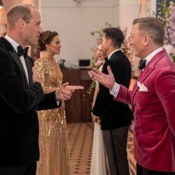 El Príncipe Guillermo y Daniel Craig en el estreno de 'Sin tiempo para morir'