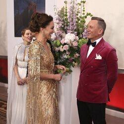 Kate Middleton y Daniel Craig en el estreno de 'Sin tiempo para morir'