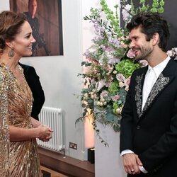 Kate Middleton y Ben Whishaw en el estreno de 'Sin tiempo para morir'