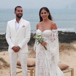 Anabel Pantoja y Omar Sánchez en la celebración de su boda