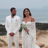 Anabel Pantoja y Omar Sánchez en su boda en La Graciosa