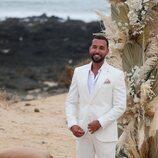 Omar Sánchez esperando a Anabel Pantoja en el altar